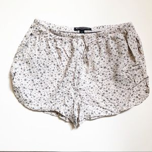Brandy Melville Bohemian Shorts With Side Pockets